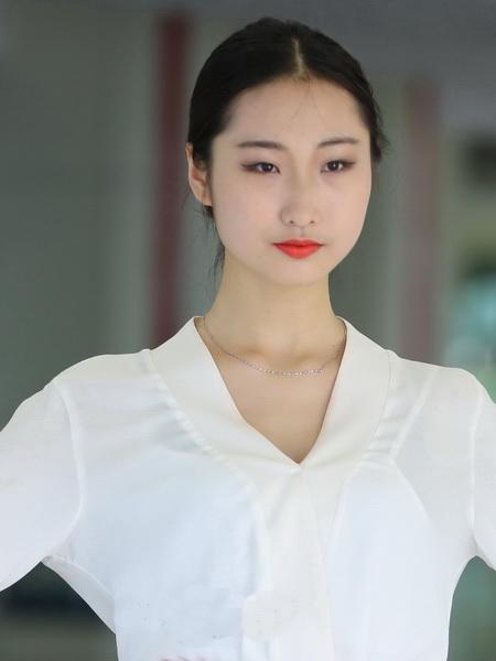模特刘雅婷